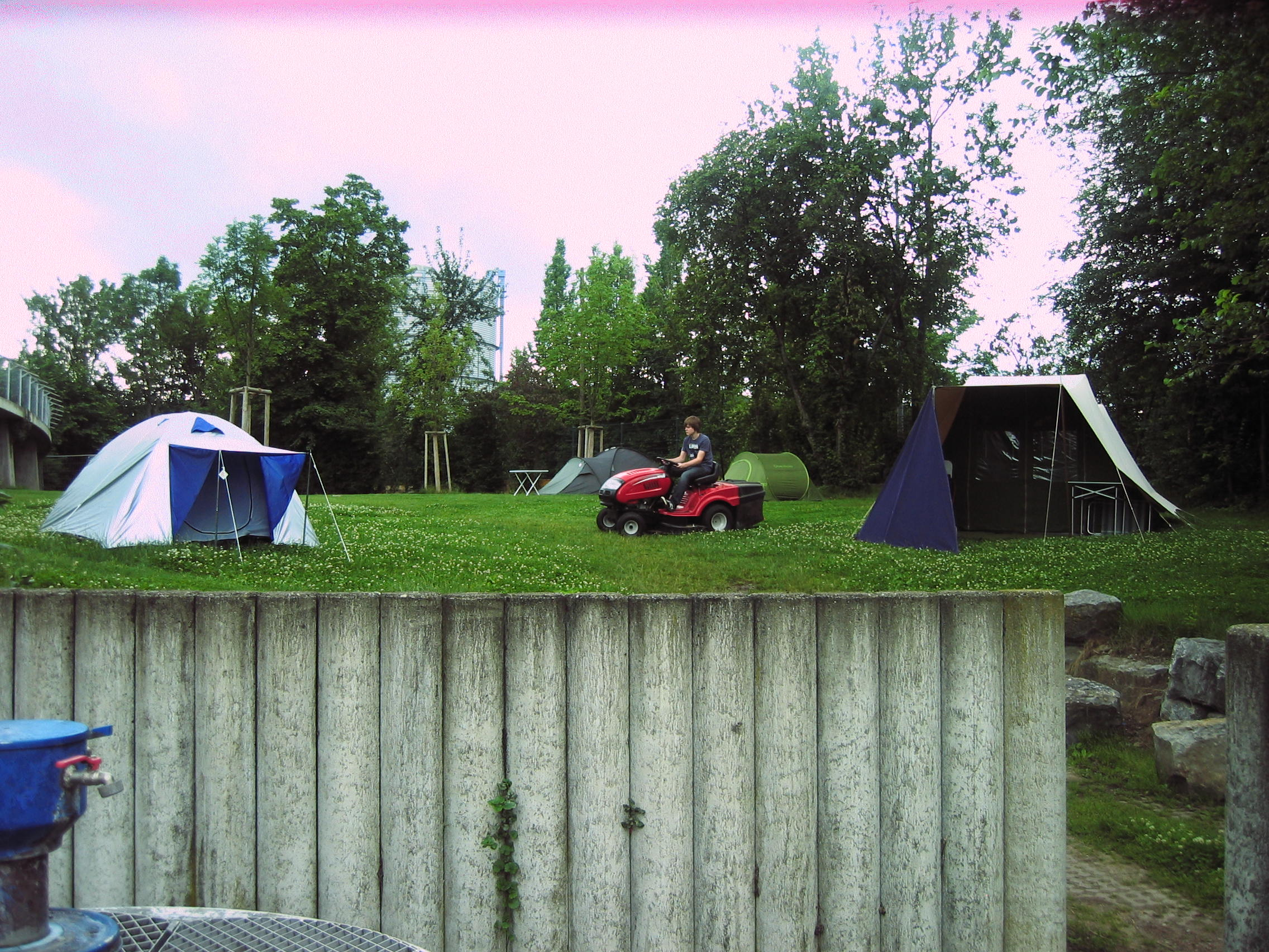 campingplatz cannstatter wasen stuttgart. Black Bedroom Furniture Sets. Home Design Ideas